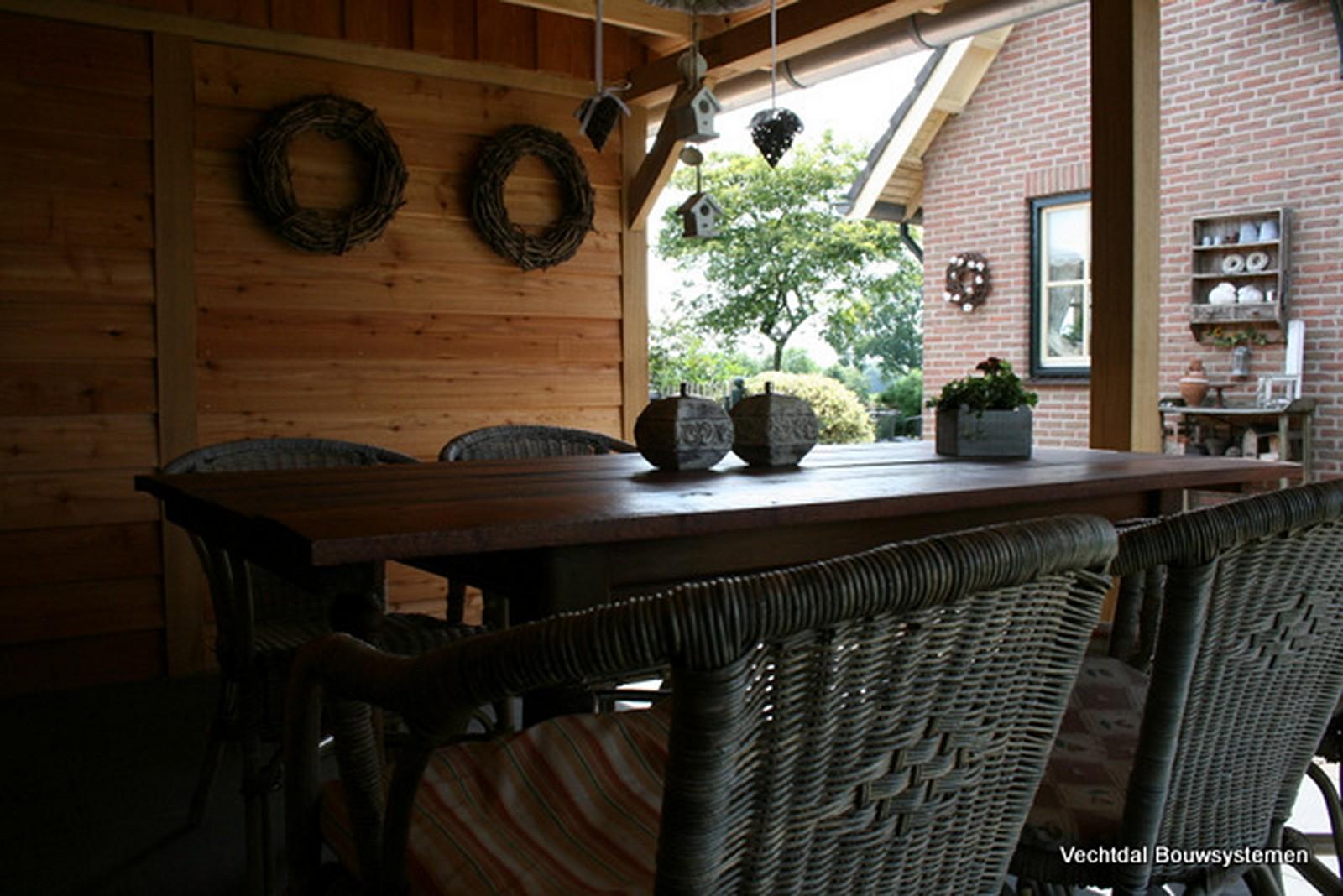 eiken houten tuinhuis met veranda