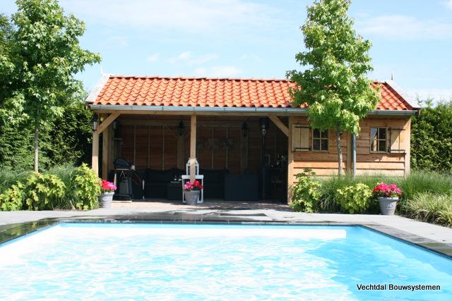 Houten poolhouse