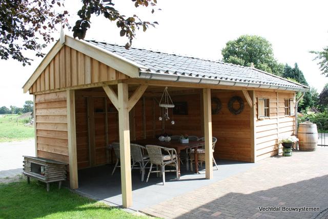 ... maatwerk tuinhuis met veranda neem dan vrijblijvend contact met ons op