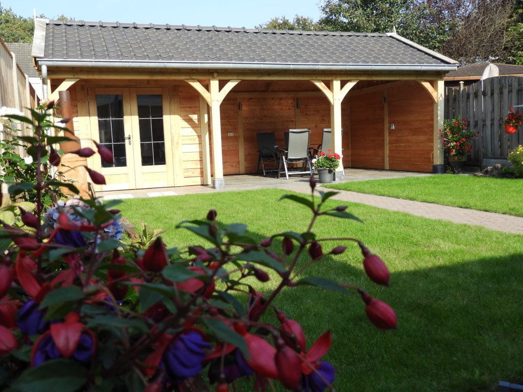 Houten tuinhuis met veranda op maat gemaakt vechtdalbouwsystemen - Te vergroten zijn huis met een veranda ...