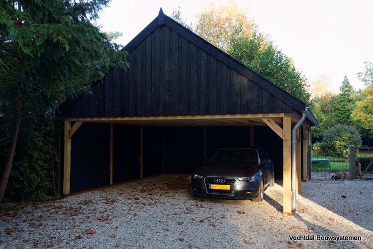 landelijke_schuur_met_carport_(1) - Klassiek houten schuur met carport geplaatst in Baarn.