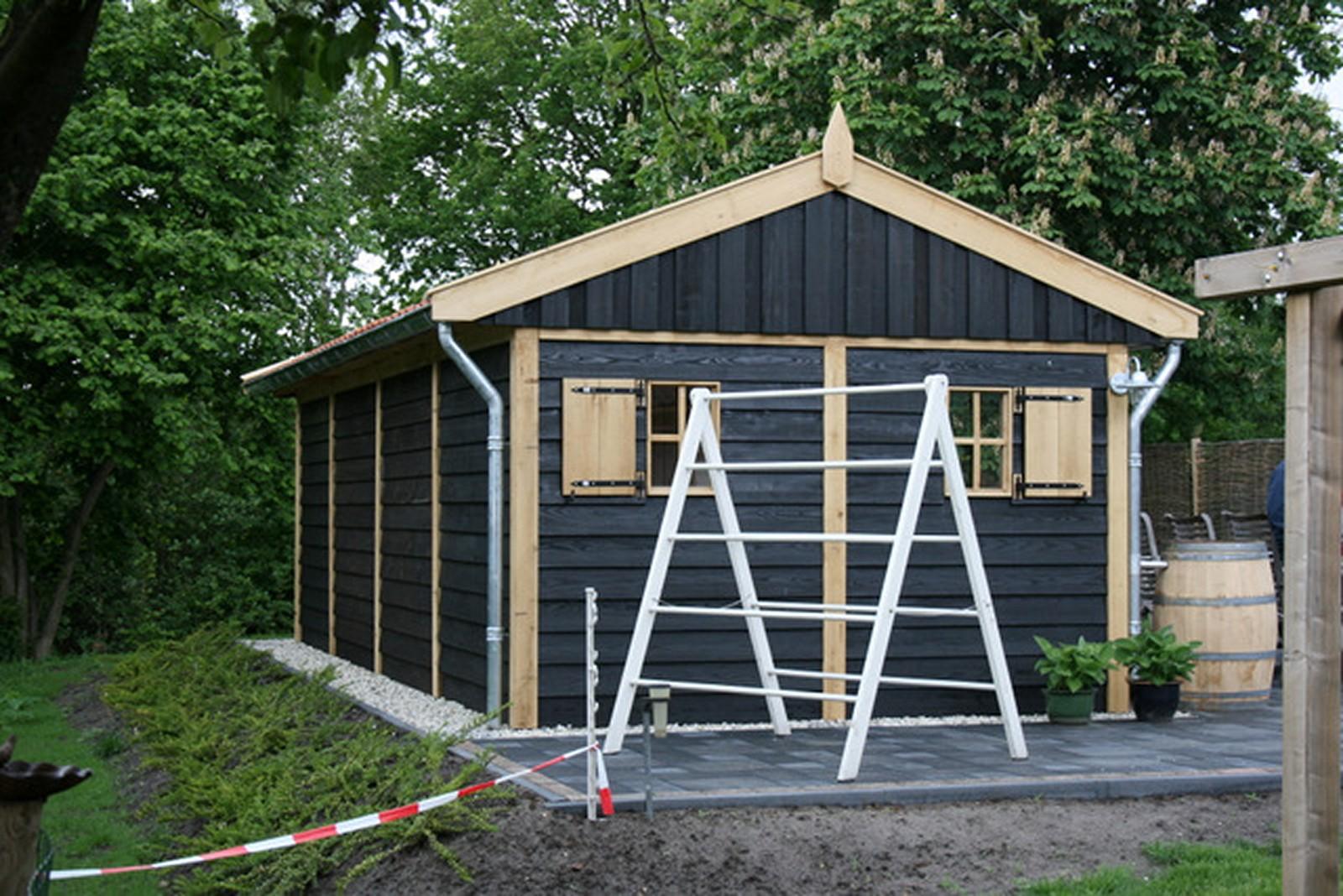 exclusieve_buitenkamer - Authentiek eiken bijgebouw met tuinkamer op maat gemaakt.