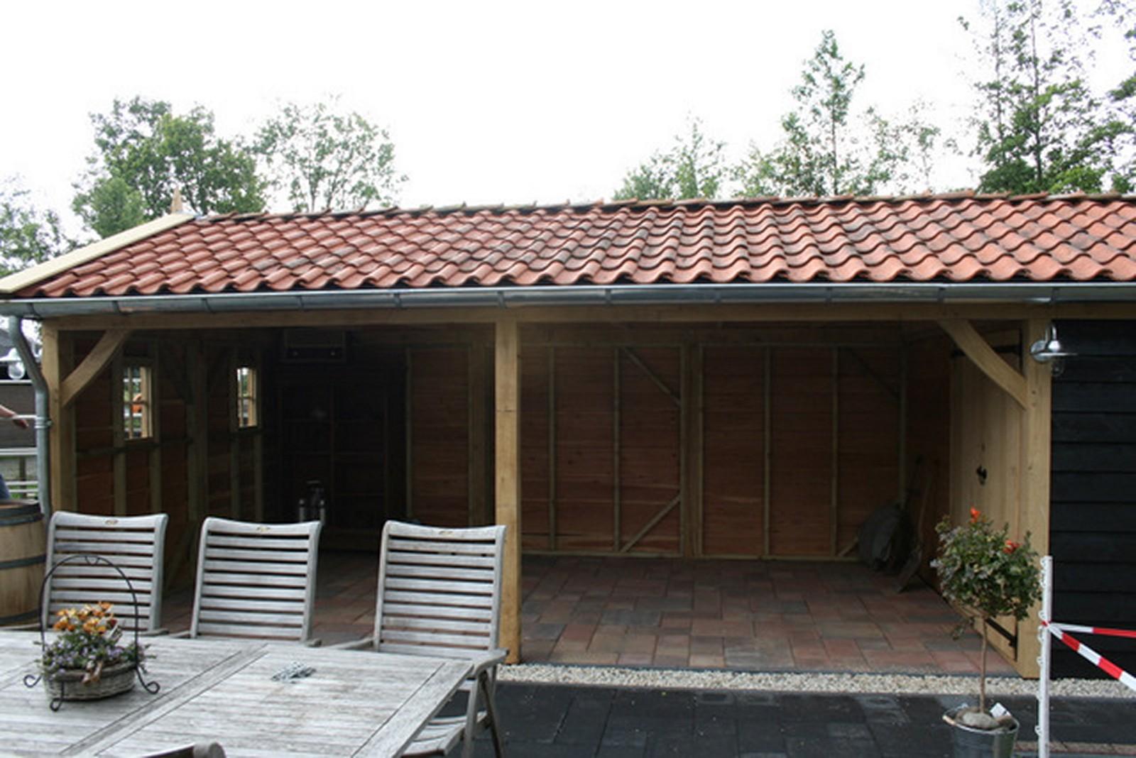 robuuste_buitenkamers - Authentiek eiken bijgebouw met tuinkamer op maat gemaakt.