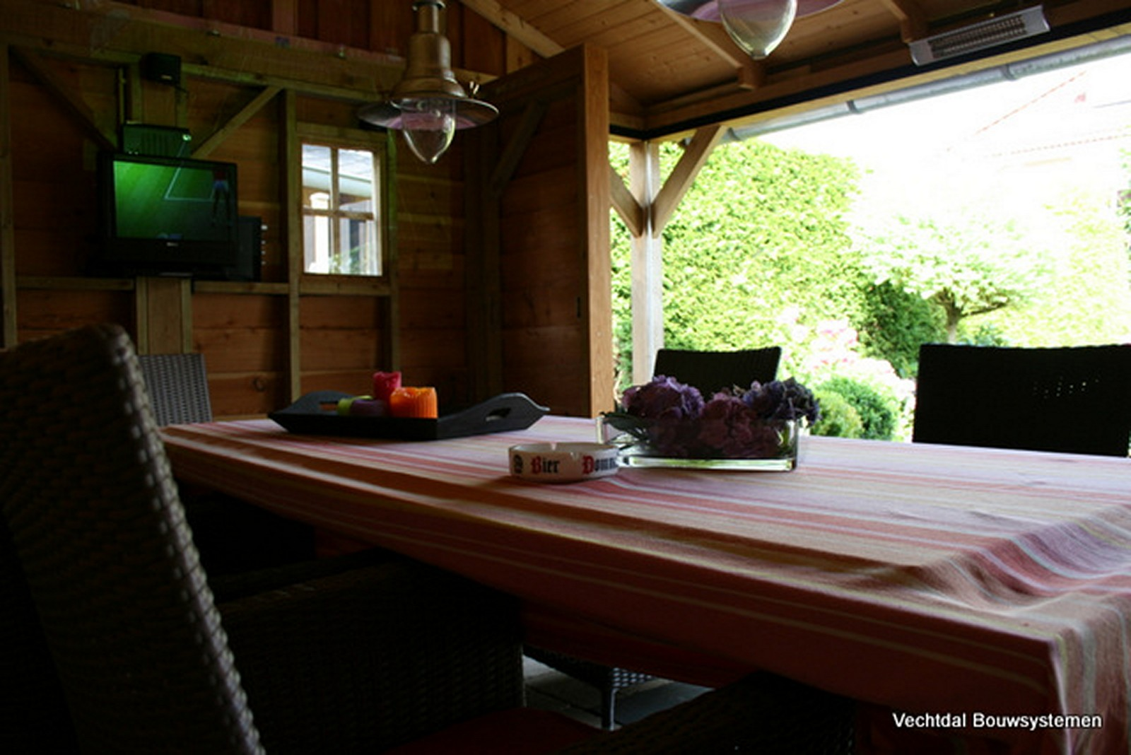 Vechtdal_bouwsystemen - Authentiek eikenhouten tuinhuis met tuinkamer.
