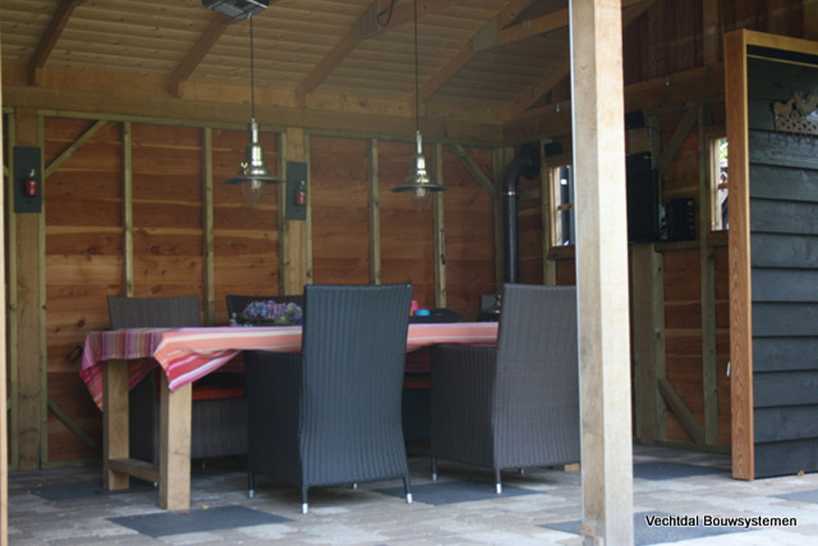 robuuste_buitenkamers - Authentiek eikenhouten tuinhuis met tuinkamer.