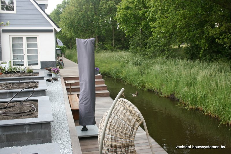 houten_overkapping_met_Groendak_(21) - Foto's eindresultaat houten overkapping met berging te Rotterdam.