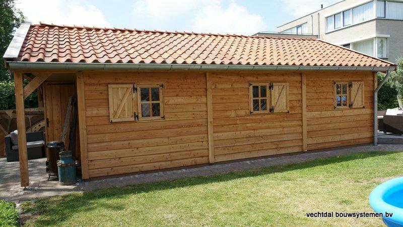 Houten_Atelier__(1) - Landelijk houten Atelier geplaatst in Den Haag.