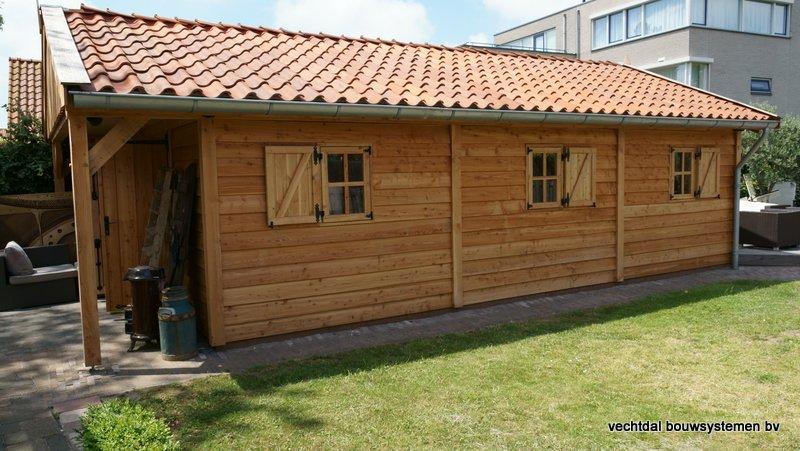 Houten_Atelier__(2) - Landelijk houten Atelier geplaatst in Den Haag.