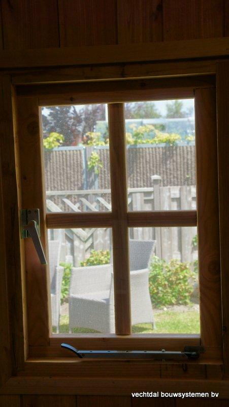 Houten_Atelier__(8) - Landelijk houten Atelier geplaatst in Den Haag.