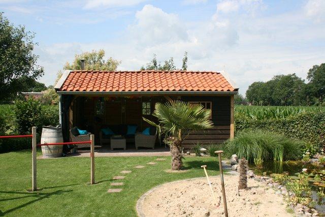 houten_tuinkamer__(1) - Nostalgisch tuinhuis met tuinkamer in Neede.