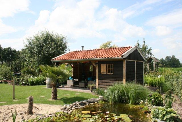 houten_tuinkamer__(6) - Nostalgisch tuinhuis met tuinkamer in Neede.