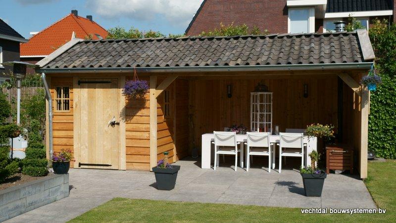 Eiken_houten_tuinhuis_met_veranda_(1) - Authentiek eikenhouten tuinhuis met veranda geleverd en gemonteerd in Utrecht.