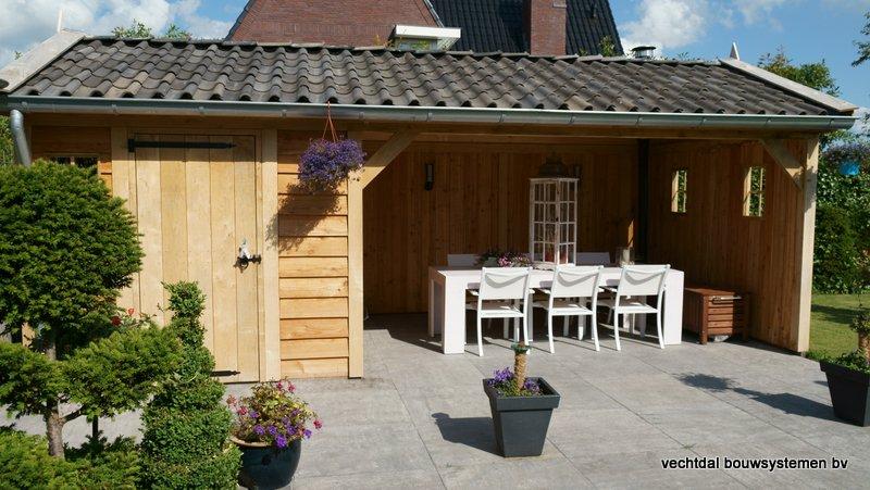 Eiken_houten_tuinhuis_met_veranda_(11) - Authentiek eikenhouten tuinhuis met veranda geleverd en gemonteerd in Utrecht.