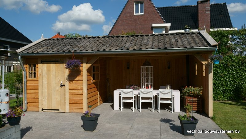 Eiken_houten_tuinhuis_met_veranda_(23) - Authentiek eikenhouten tuinhuis met veranda geleverd en gemonteerd in Utrecht.
