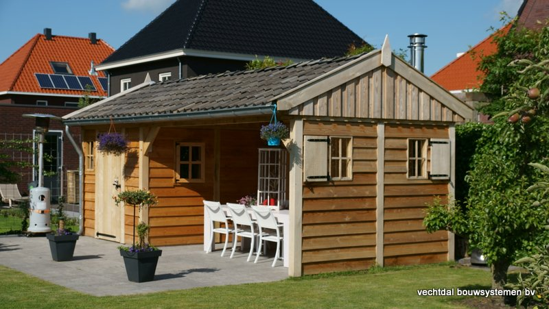 Eiken_houten_tuinhuis_met_veranda_(25) - Authentiek eikenhouten tuinhuis met veranda geleverd en gemonteerd in Utrecht.