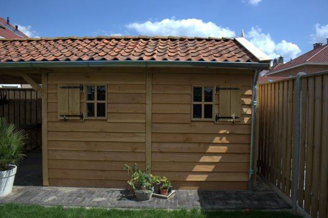 Robuuste_tuinhuis - Authentiek eikenhouten carport met garage.