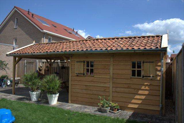 tuinhuizen - Eiken garage met carport. Maatwerk!