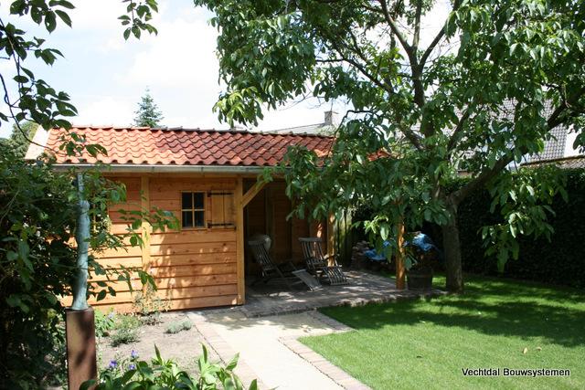 Robuuste_tuinhuis - Investeer deze zomer in uw buitenverblijf, en geniet optimaal van het gezonde buitenleven.