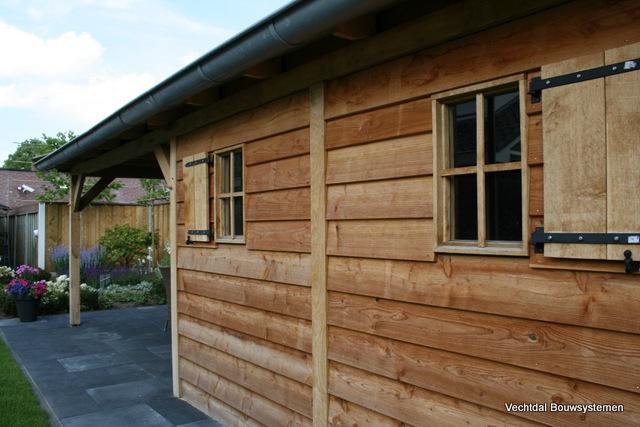 Exclusieve_tuinhuizen - Authentiek eikenhouten tuinhuis met overkapping.