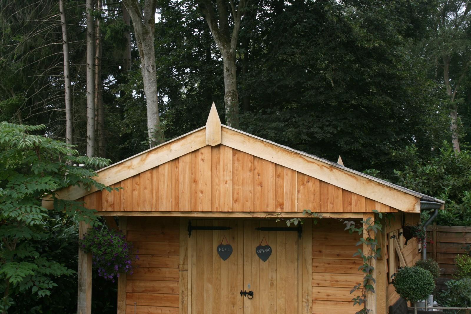 robuuste_tuinhuizen - Houten dierenopvang met overkapping gemaakt van duurzaam eikenhout.