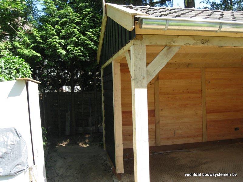 01-IMG_2308 - Nostalgisch eikenhouten tuinhuis met overkapping opgeleverd in Wijhe.