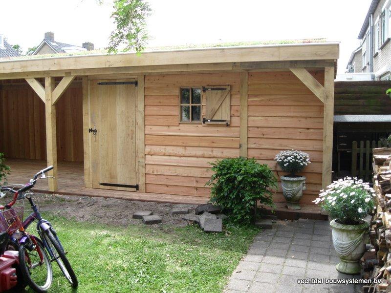 12-Eiken_houten_veranda_met_groendak_(9) - Eikenhouten tuinhuis en overkapping met groendak opgeleverd in Zwolle.