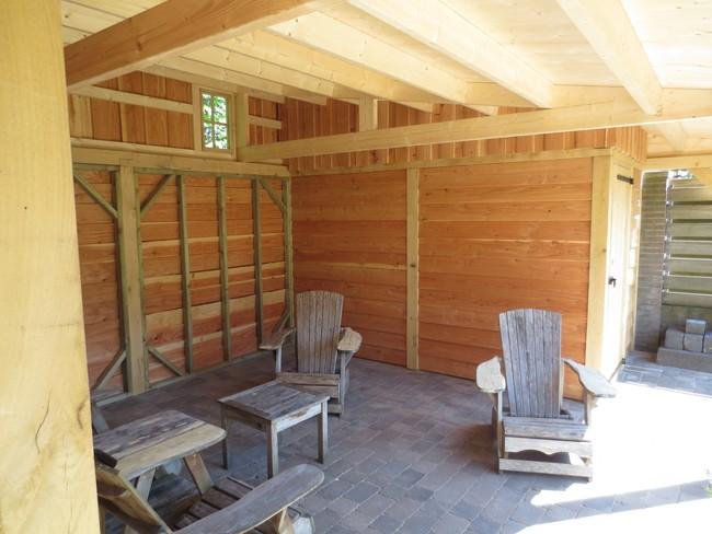 15__houten_veranda_met_groendak - Subsidie op groendak. Bijgebouwen/tuinhuizen/overkappingen of landelijke schuren.