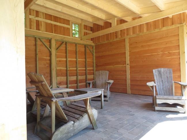 16__houten_veranda_met_groendak - Unieke eikenhouten bijgebouw met groendak opgeleverd!