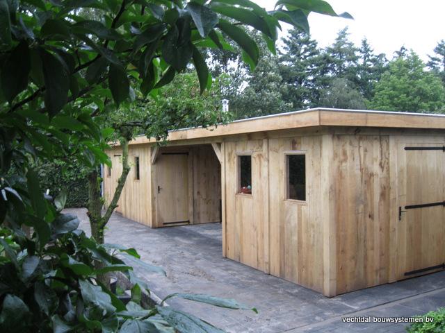 Eikenhouten_bijgebouw_met_sauna_(1) - Eikenhouten bijgebouw met veranda en sauna.