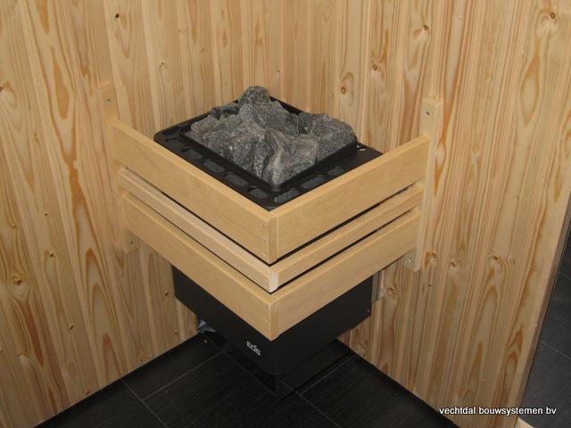 Eikenhouten_bijgebouw_met_sauna_(12) - Eikenhouten bijgebouw met veranda en sauna.