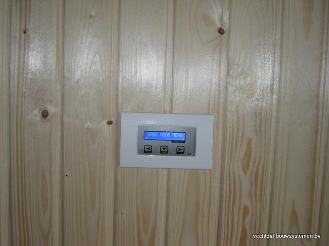 Eikenhouten_bijgebouw_met_sauna_(14) - Eikenhouten bijgebouw met veranda en sauna.