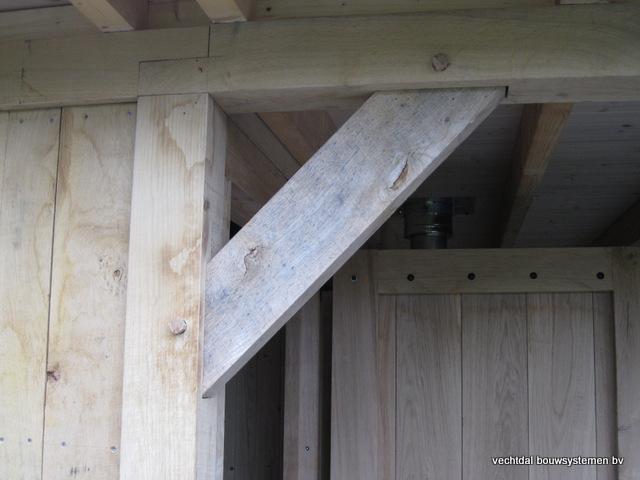 Eikenhouten_bijgebouw_met_sauna_(16) - Eikenhouten bijgebouw met veranda en sauna.