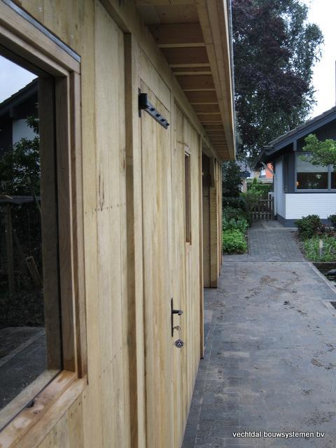 Eikenhouten_bijgebouw_met_sauna_(18) - Eikenhouten bijgebouw met veranda en sauna.