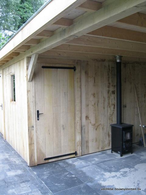 Eikenhouten_bijgebouw_met_sauna_(20) - Eikenhouten bijgebouw met veranda en sauna.
