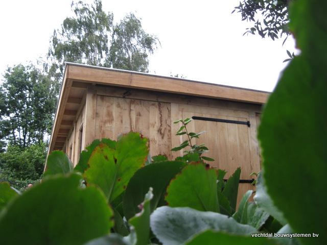 Eikenhouten_bijgebouw_met_sauna_(22) - Eikenhouten bijgebouw met veranda en sauna.
