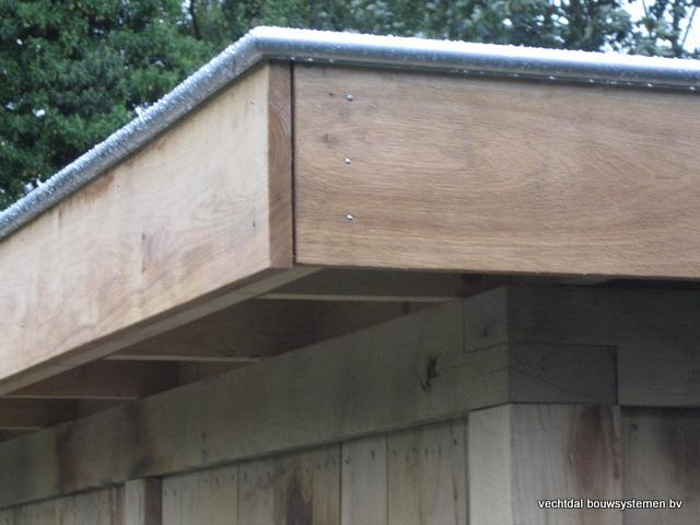 Eikenhouten_bijgebouw_met_sauna_(3) - Eikenhouten bijgebouw met veranda en sauna.