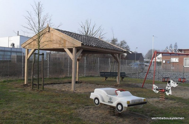 eiken_houten_overkapping_prieel_(13) - Stijlvolle eikenhouten overkapping opgeleverd in Born. (Limburg)