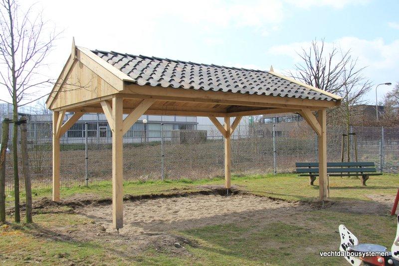 eiken_houten_overkapping_prieel_(3) - Stijlvolle eikenhouten overkapping opgeleverd in Born. (Limburg)