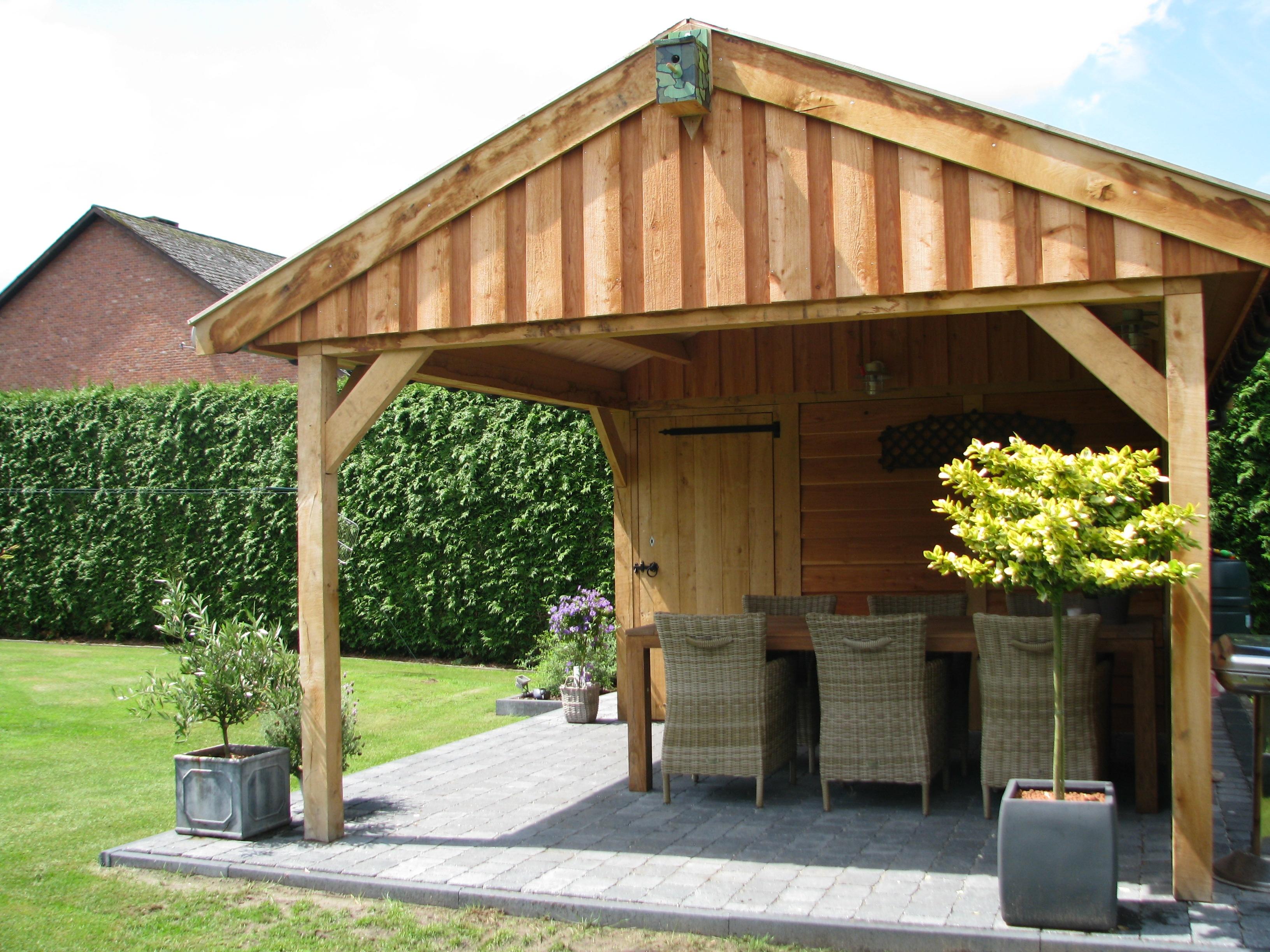 houten_bijgebouw_eiken - Foto's van gerealiseerde tuinhuis met veranda in België.