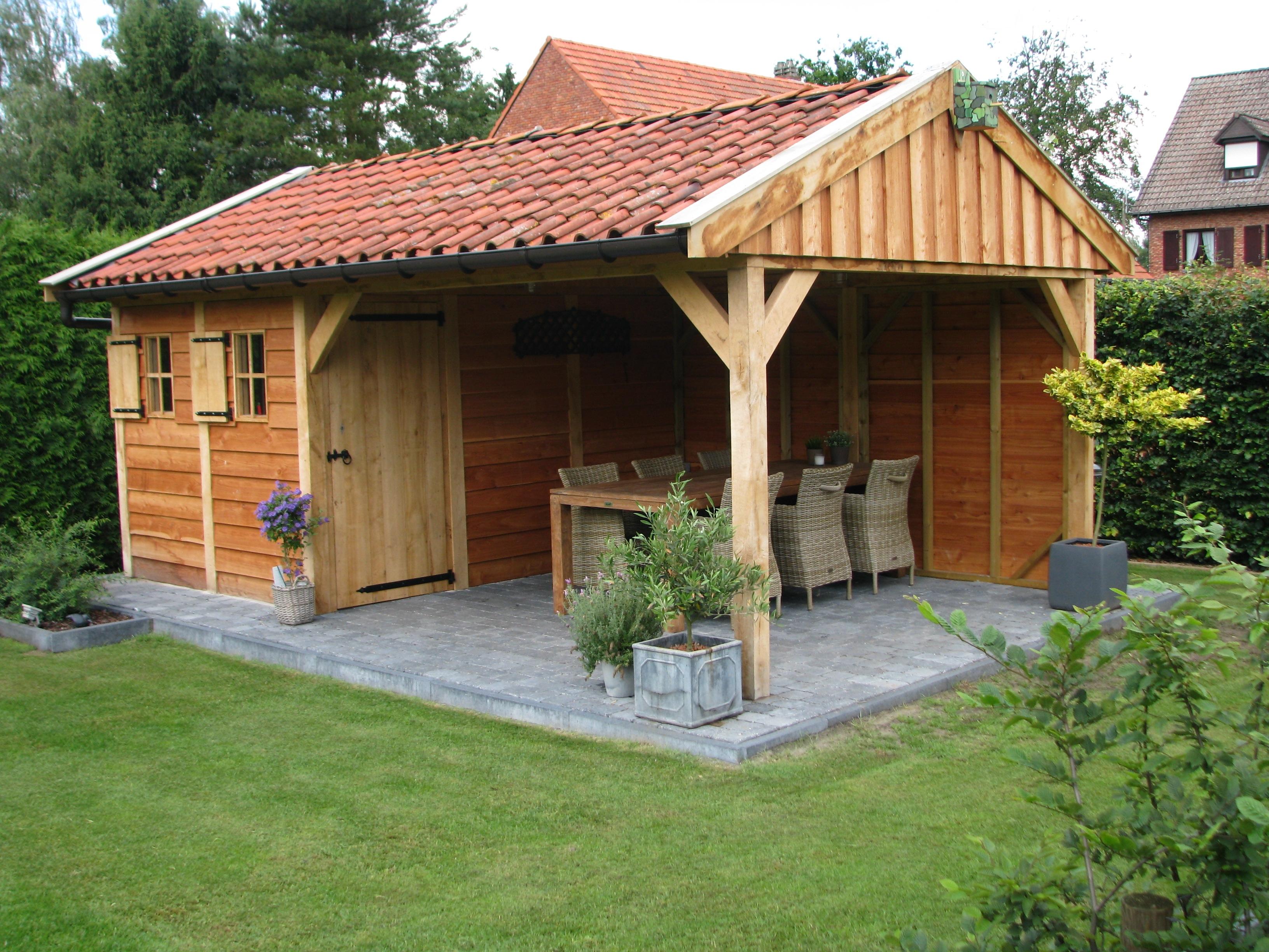 houten_tuinhuis_belgie_3 - Foto's van gerealiseerde tuinhuis met veranda in België.