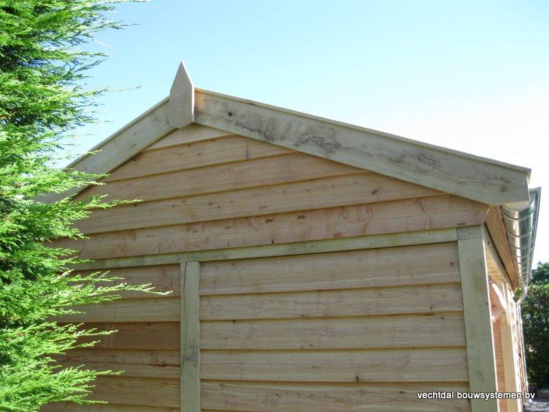 houten_tuinhuis_met_veranda_breskens_(13) - Stijlvolle eikenhouten tuinhuis met veranda geplaatst in Breskens (Zeeland).