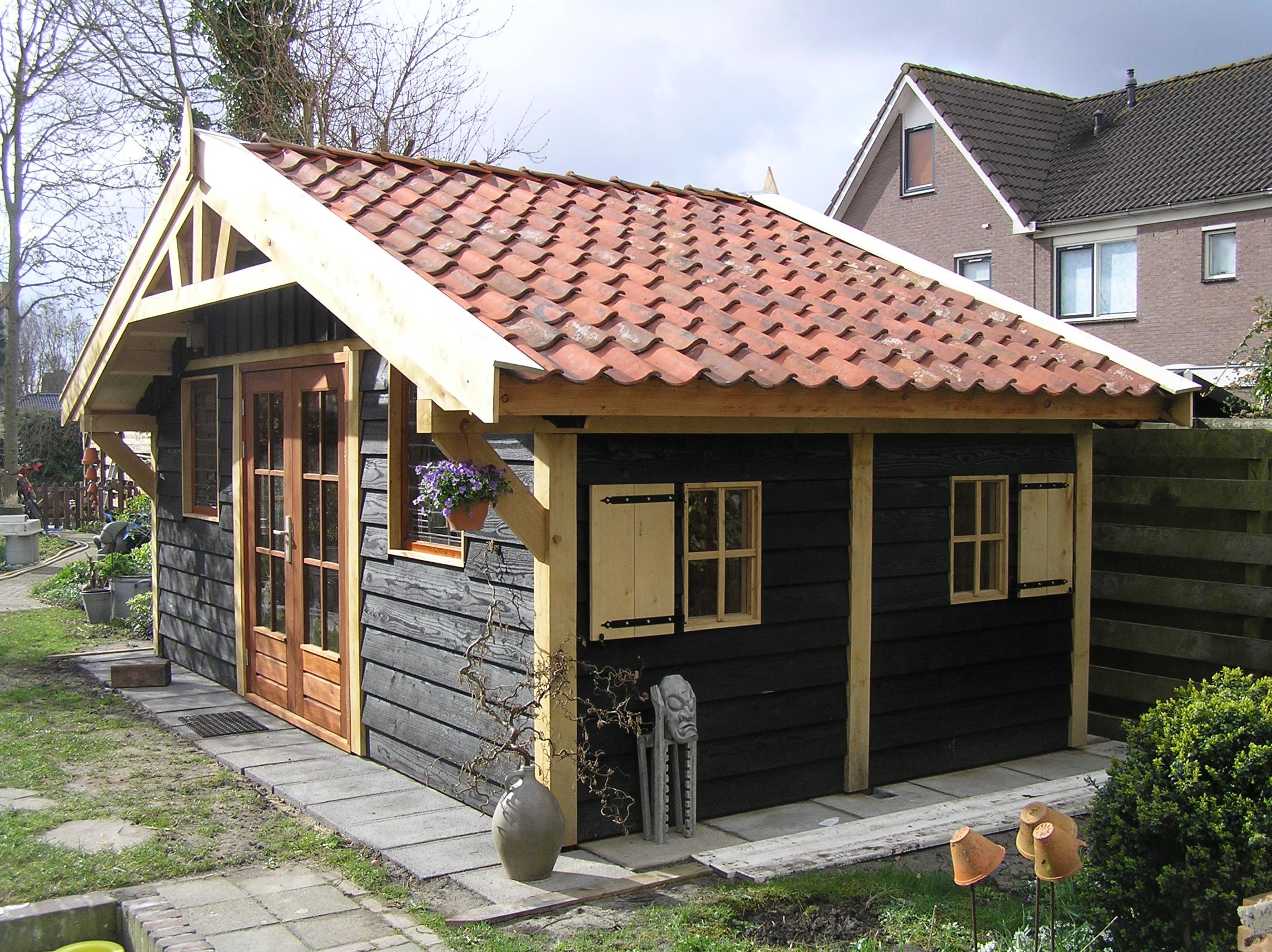 eikenhouten_tuinpaviljoen - Heerlijk wegdromen in de prachtige houten tuinpaviljoen 'marqués'.