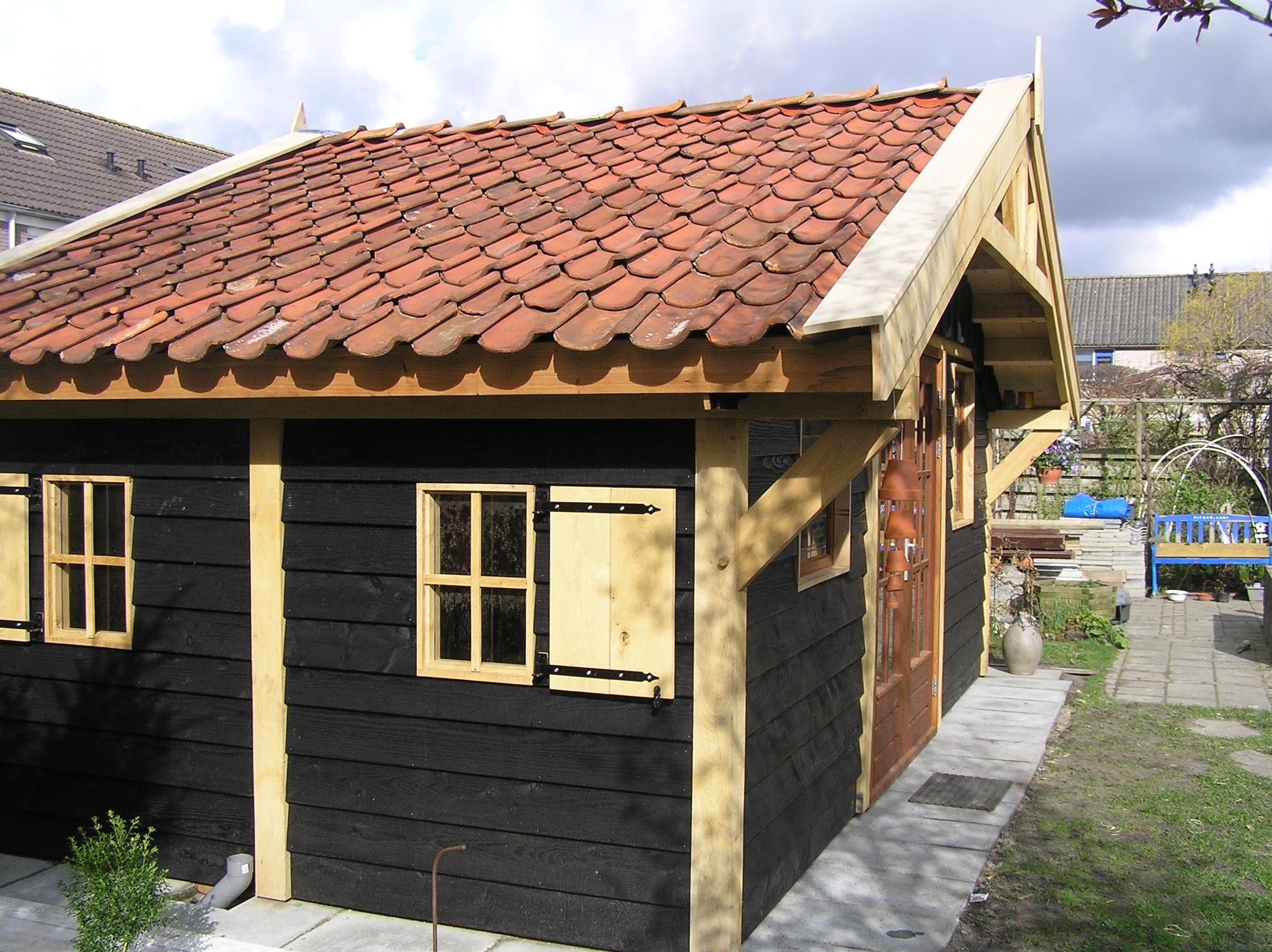 exclusief_tuinpaviljoen - Heerlijk wegdromen in de prachtige houten tuinpaviljoen 'marqués'.