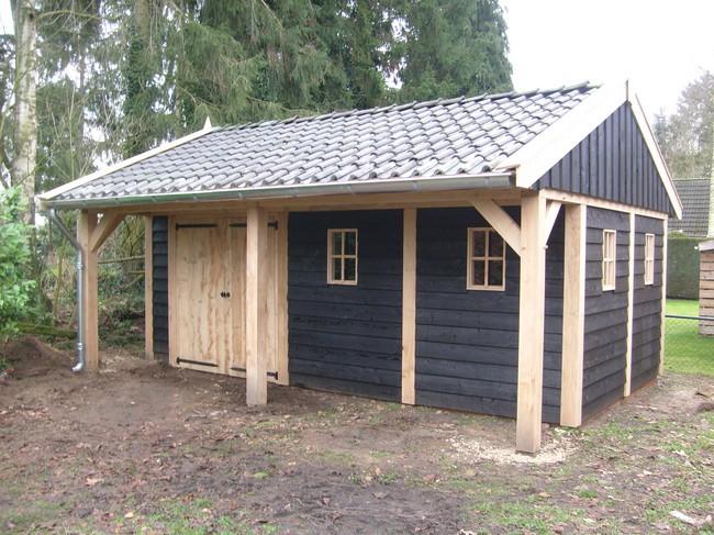 houten_kapschuur - Landelijke houten kapschuur met overkapping gemaakt van eerste klas eikenhout.