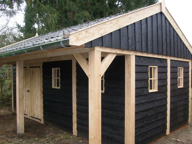 houten_kapschuur_6 - Landelijke houten kapschuur met overkapping gemaakt van eerste klas eikenhout.
