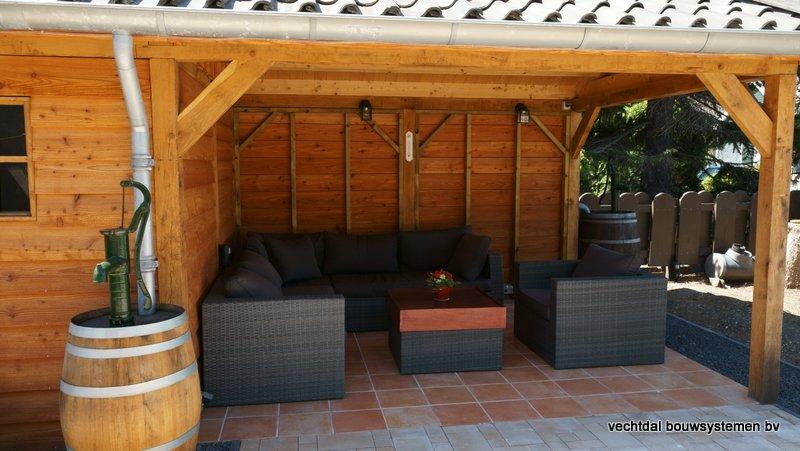 Houten_overkapping_(5) - Robuust houten overkapping op maat gemaakt.