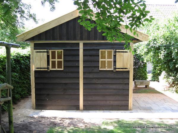 02-houten_tuinhuis_met_luifel_(5) - Nostalgische houten tuinhuis met luifel op maat gemaakt.