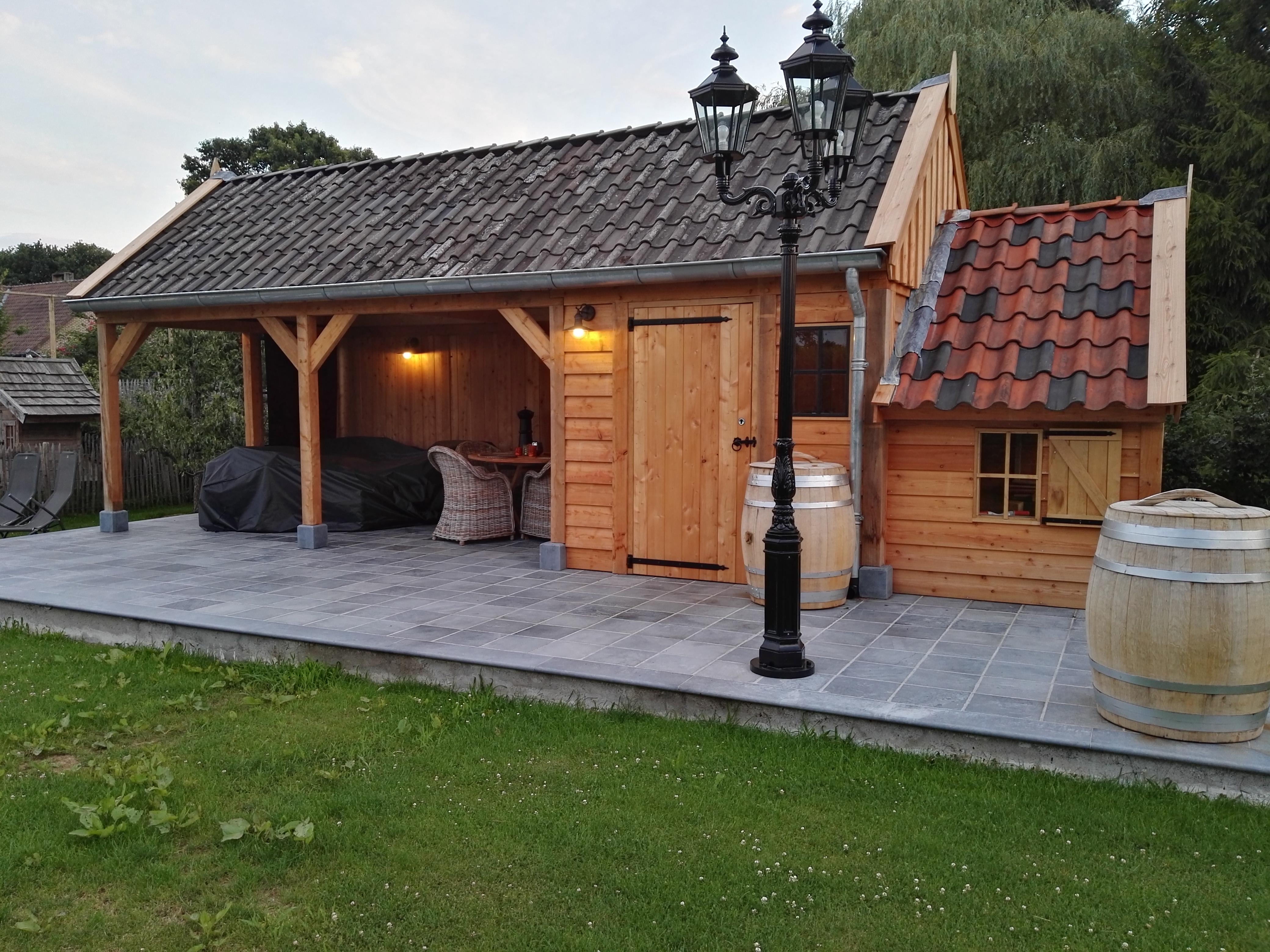 tuinkamer_4 - Luxe houten bijgebouw met riante tuinkamer.