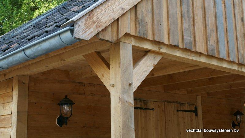 Nostalgie_houten_schuur_(4) - Nostalgisch larikshouten schuur met paardenstal opgeleverd in Maarn.
