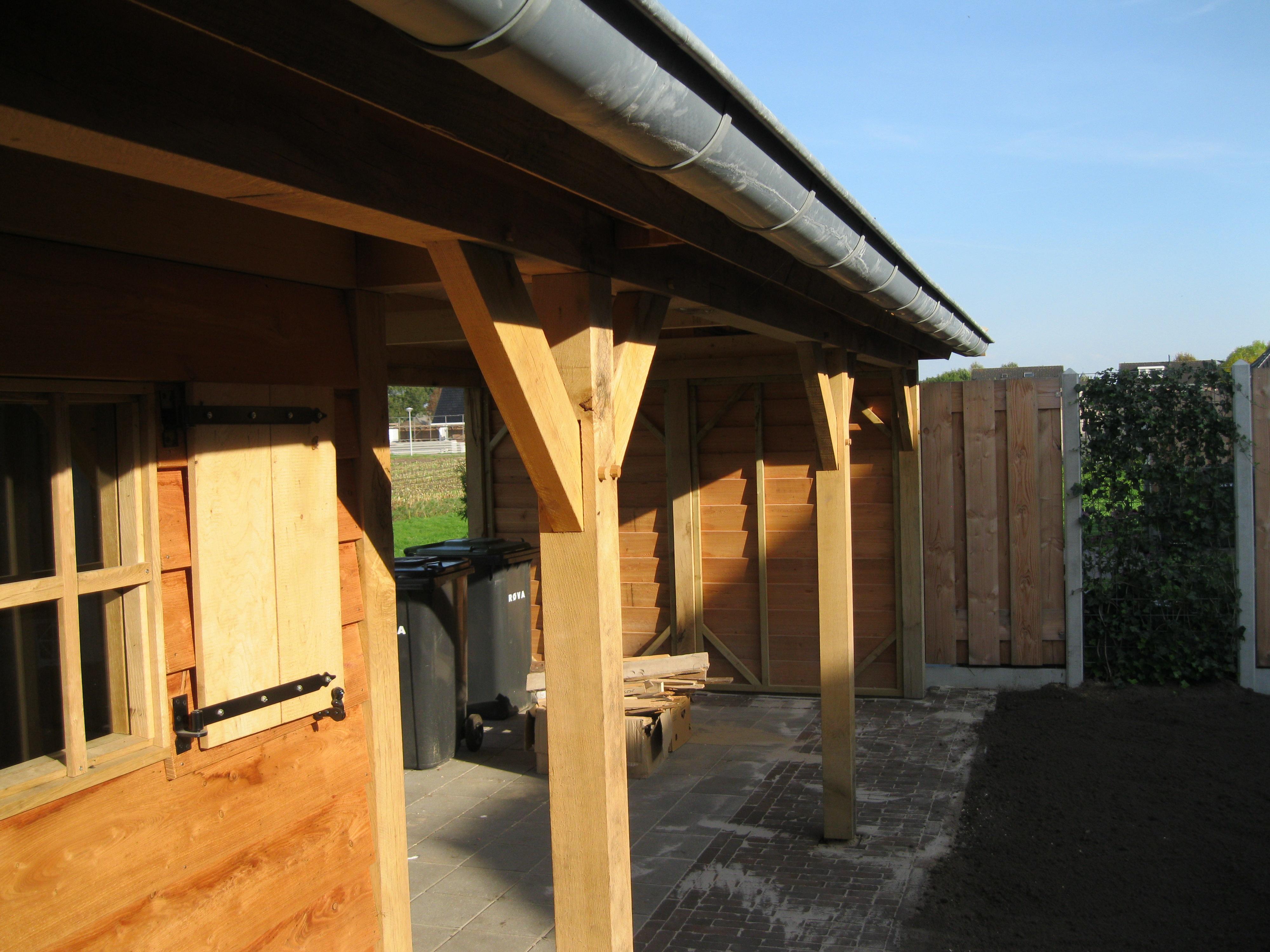 houten_tuinhuis_met_veranda_(8) - Eikenhouten tuinhuis met veranda als bouwpakket geleverd.